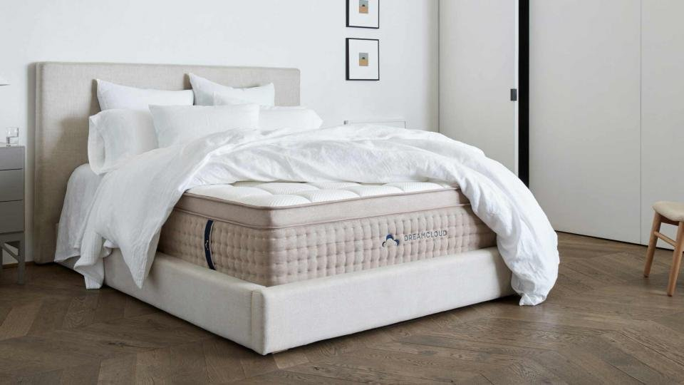 DreamCloud Luxury Hybrid mattress review: A good bed-in-a ...