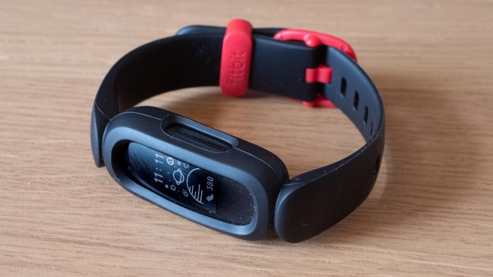 fitbit_ace_3_review_-_05.jpeg?itok=PAY2bcFA
