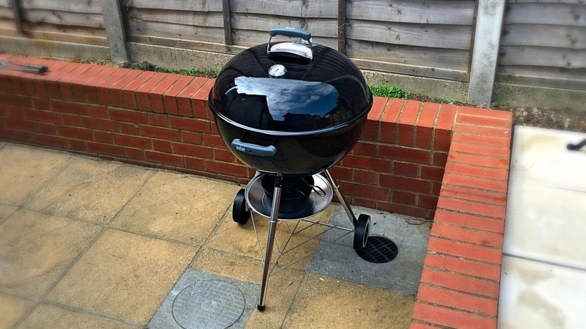 Weber Holzkohlegrill Compact Kettle 57 Cm : Weber original kettle review cm the iconic charcoal bbq